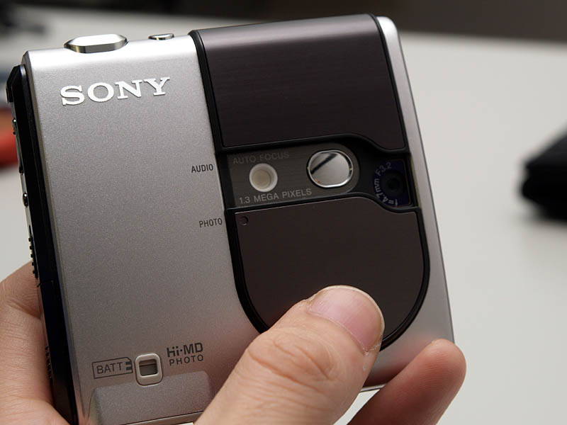 Sony_MZDH10_12.jpg